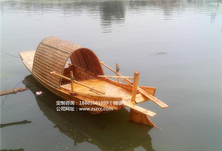 江南水乡乌篷船